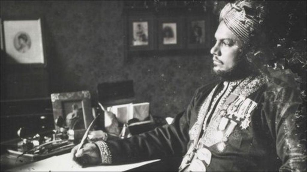 Queen Victoria And Abdul  Diaries Reveal Secrets