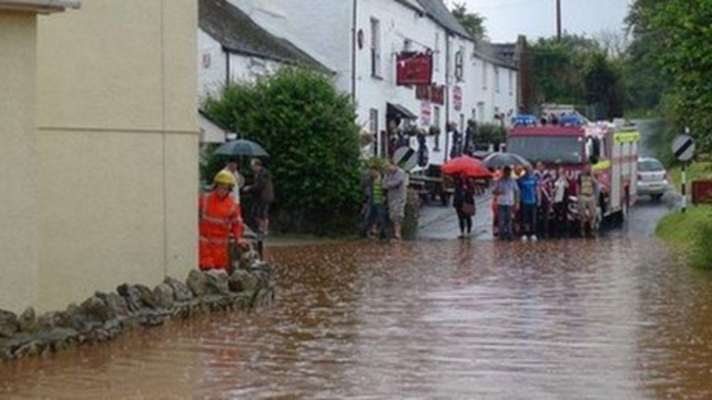 flooding hits kingsteignton and dawlish in devon bbc news. Black Bedroom Furniture Sets. Home Design Ideas