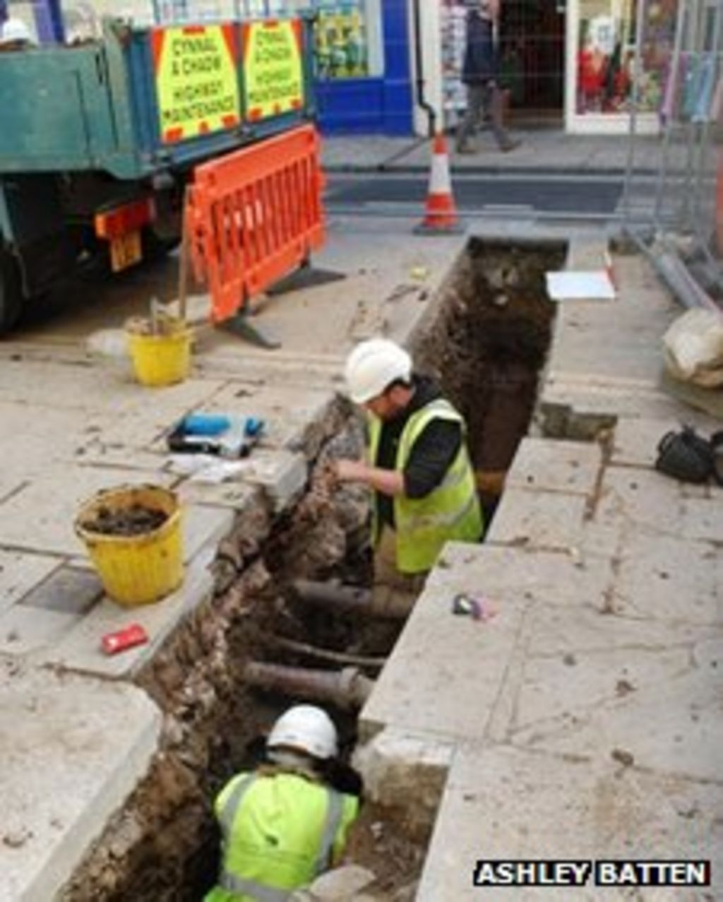 Conwy Workmen's 'incredible' Medieval House Find