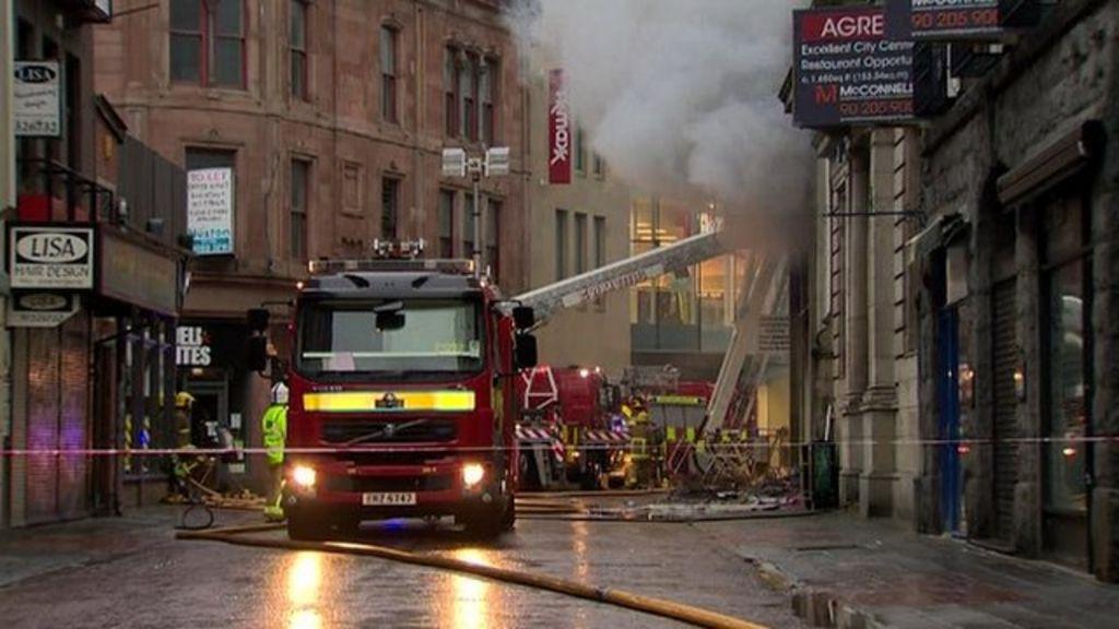 b m bargains belfast shop fire extinguished bbc news. Black Bedroom Furniture Sets. Home Design Ideas