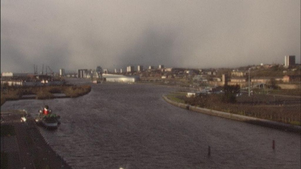 time lapse footage shows storm in glasgow bbc news. Black Bedroom Furniture Sets. Home Design Ideas