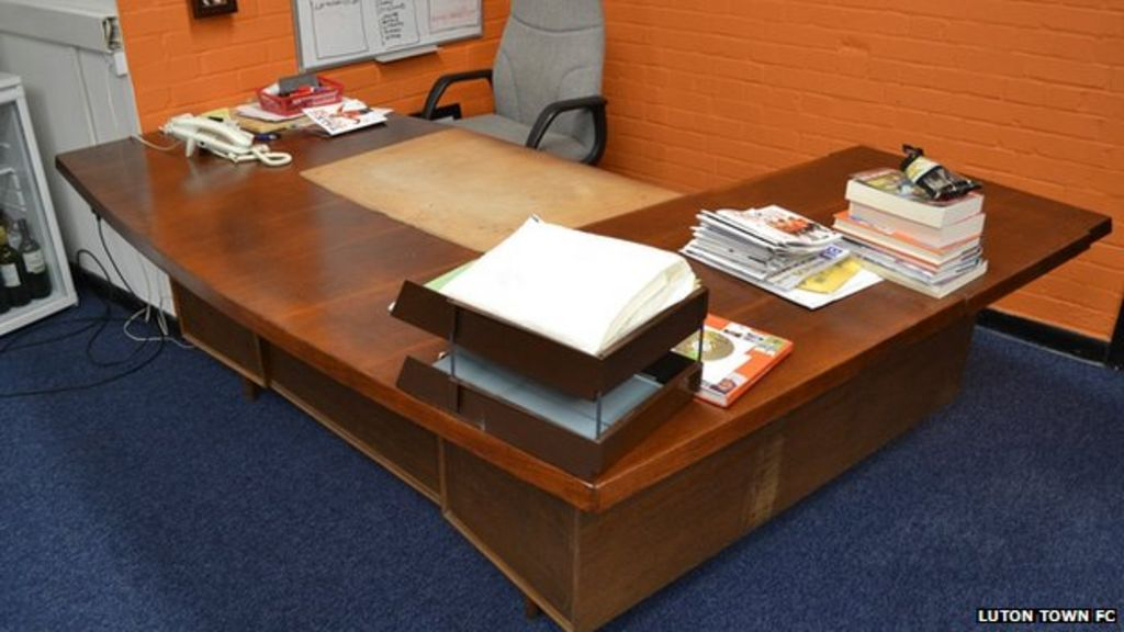 Luton Town Manager 39 S Desk For Sale On Ebay Bbc News