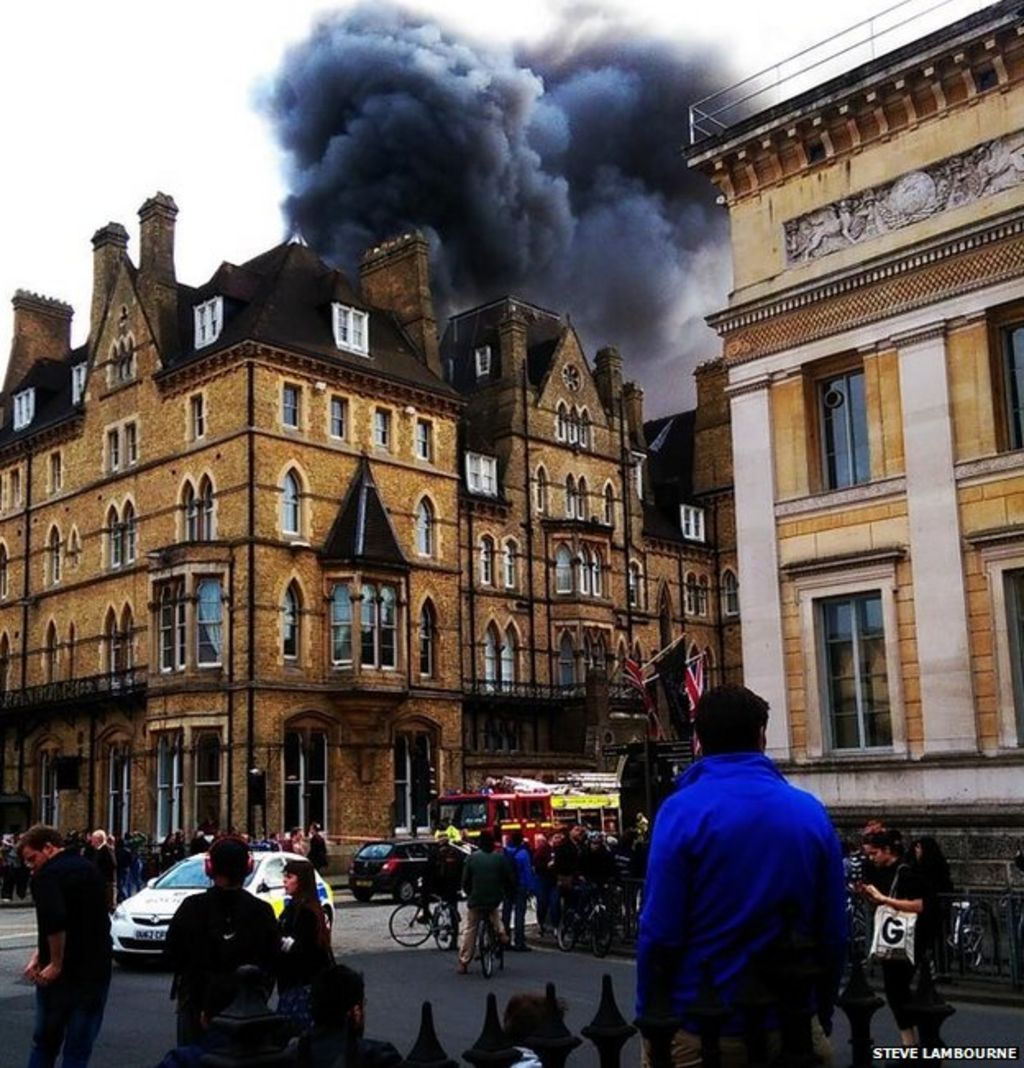 Oxford 39 s five star randolph hotel hit by fire bbc news for Luxury hotel oxford