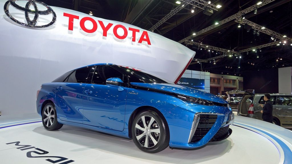 Battle Of Zero Emissions Cars Hydrogen Or Electric