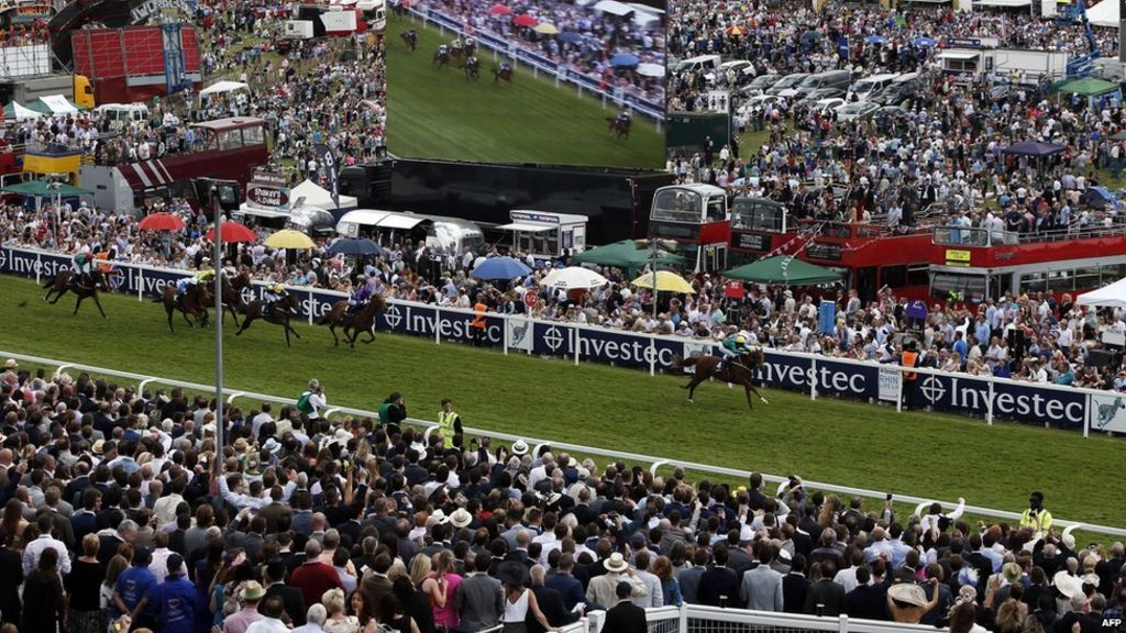 In pictures epsom derby 2015 bbc news for 2b cuisine epsom downs