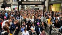Queues at Oxford Circus station