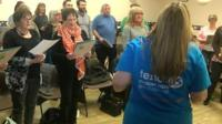 Choir made of people affected by cancer
