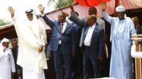 Idriss Deby en compagnie de l'Emir du Qatarau Darfour