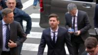 Messi arriving at court