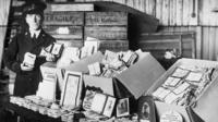 Early exhibits of photos and letters from families of relatives who had fought in WW1