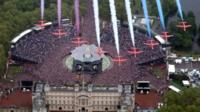 Red Arrows fly over Buckingham Palace
