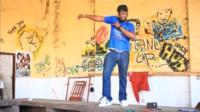 A Ghanaian doing the Azonto dance