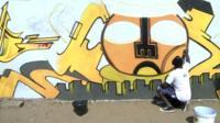 Graffiti artist in Dakar