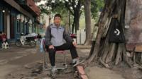 Dzung, Hanoi street barber