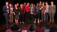 Revue contestants