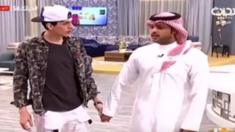 على الهواء مباشرة في السعودية ... أبلغوه بوفاة والده