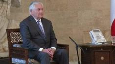 وزير الخارجية الأمريكي ينتظر لعدة دقائق قبل لقاءه بوزير الخارجية اللبناني والرئيس اللبناني، ولبنان ينفي الخروج عن الأعراف الدبلوماسية.