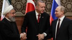 الرئيس التركي رجب أردوغان والرئيس الروسي فلاديمير بوتين و الرئيس الإيراني حسن روحاني في قمة أنقرة