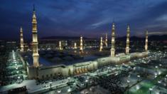 الكاتب محمد السحيمي يسخر من كثرة عدد المساجد قائلا إن لكل مواطن مسجدا