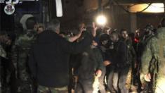 """غادر 13 من مسلحي """"النصرة سابقا"""" عبر معبر الوافدين"""