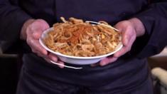 يعتبر الكثيرون طبق الكشري طبقا وطنيا في مصر. ويباع الكشري على قارعة الطريق وفيه كمية كبيرة من الكربوهيدرات بفضل المعكرونة والأرز ويشعر الشخص بالشبع بعد تناوله.