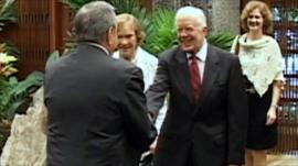 Jimmy Carter shakes hands in Cuba