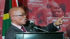 Jacob Zuma singing
