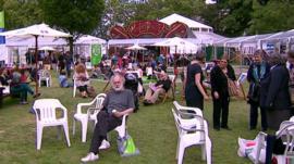 Edinburgh Festival crowd