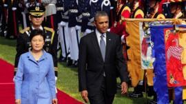 US President Barack Obama (R) and South Korean president Park Geun-Hye
