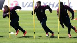 Wayne Rooney and England team mates