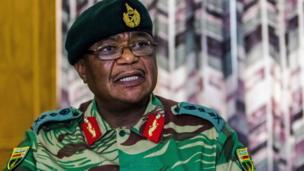 Taliyaha ciidammada Zimbabwe Constantino Chiwenga ayaa ka digay in milatarigu uu talada la wareegi doono