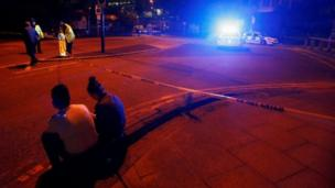 பிரிட்டனின் மான்செஸ்டர் அரீனா பகுதியில் பயங்கரவாத தாக்குதல் என்று சந்தேகிக்கப்படும் சம்பவம் ஒன்றில் 19 பேர் கொல்லப்பட்டுள்ளனர்.