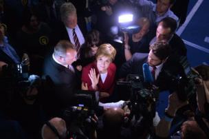 رئيسة الحزب القومي الأسكتلندي نيكولا ستيرجن