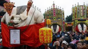 Quang cảnh tại lễ Rước Heo Thiêng tại Tân Đài Bắc ngày 15/02/2013.