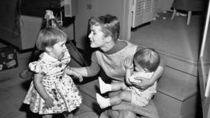 Debbie Reynolds with Carrie and Todd Fisher