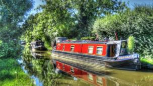The Oxford Canal at Kidlington.