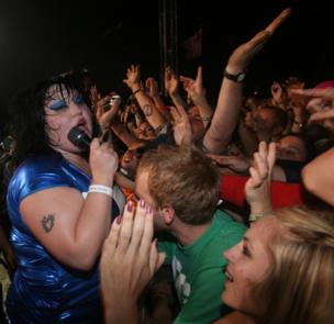 Beth Ditto from the gossip is grabbed by the crowd