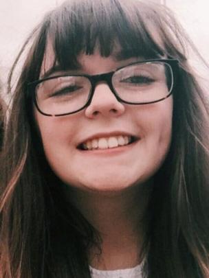 Georgina Callander sonriente