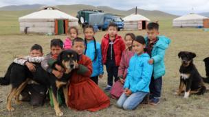 Жайлоодогу монгол балдары