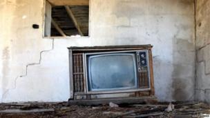 રૂમમાં ટીવીનો ફોટો