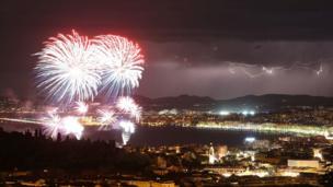 Nice'teki havai fişekli Bastille Günü kutlamaları
