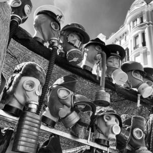 """""""Cuando un mercado es una máquina de tiempo"""", propone zhukova_val como título de esta imagen tomada en el mercado El Rastro de Madrid."""