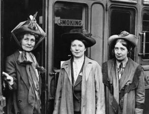 Emmeline Pankhurst and daughters