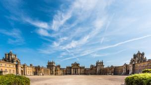 Another very warm day at Blenheim Palace, Woodstock.
