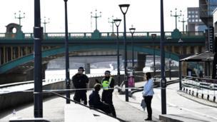 تكثف أجهزة الشرطة من وجودها الأمني في الشوارع