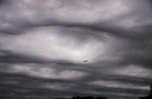 Облака типа аsperitas над Аделаидой, штат Южная Австралия, 6 сентября 2013