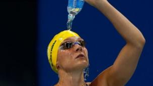 """Sarah Sjostrom of Sweden pours water over herself before the second Semifinal of the Women""""s 200m Freestyle on Day 3 of the Rio 2016 Olympic Games at the Olympic Aquatics Stadium on August 8, 2016"""
