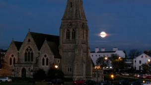 Луна над деревней Блэкхит