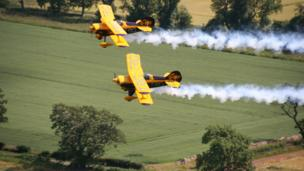 Pitts special trig aerobatic team