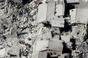 Amatrice şəhərinin tarixi hissəsində dağılmış binalar, 24 avqust 2016